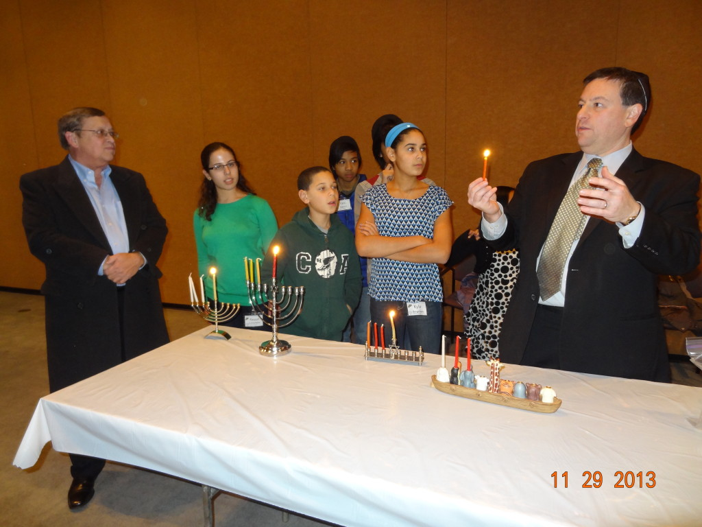 Temple Israel HANUKAH candle lighting